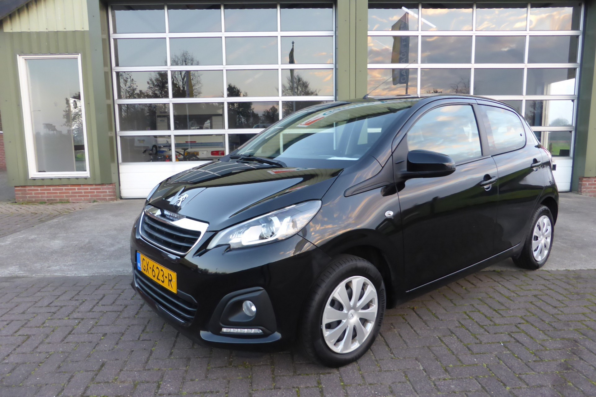 Peugeot 108 foto 1