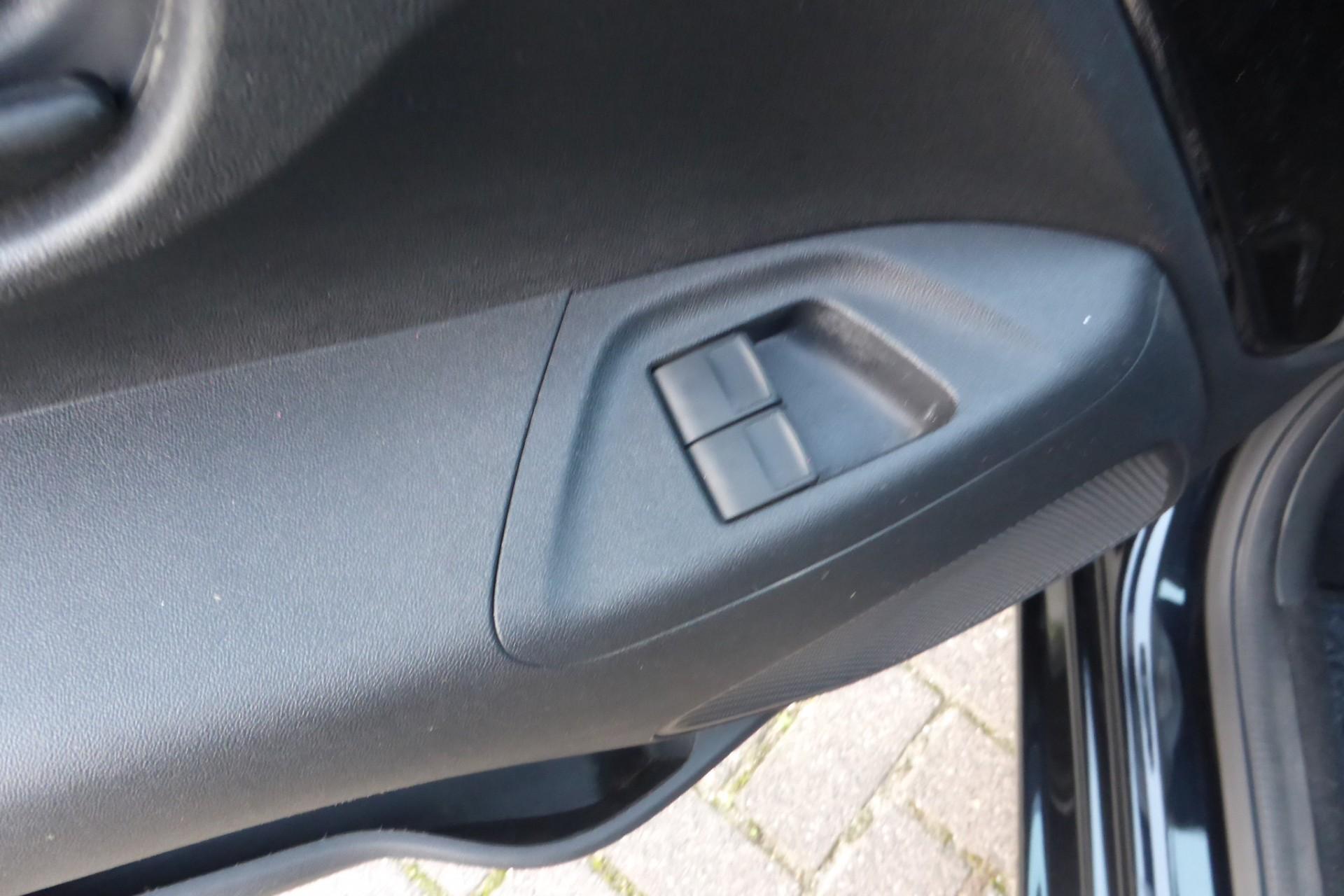 Peugeot 108 foto 2